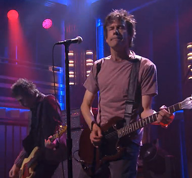 090914_paul_tommy_fallon.jpg